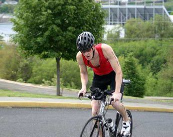 Husband and wife win triathlon