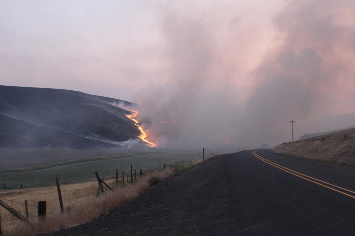 Fire near Heppner burns thousands of acres