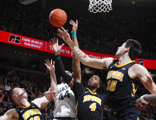 Nick Ward scores 26, No. 10 Michigan State beats Iowa 90-68