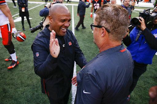 Browns' Mayfield calls former coach Hue Jackson 'fake'