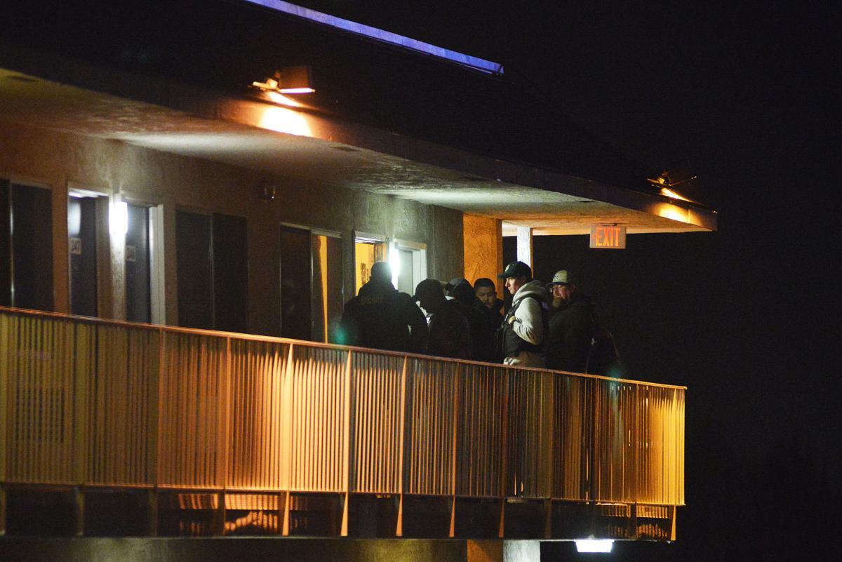 PENDLETON Homicide suspect dead after standoff