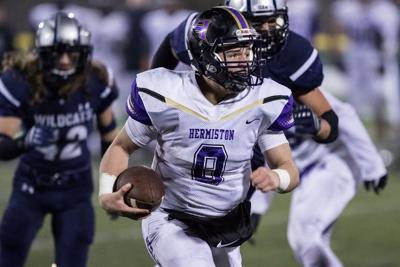 James helps Bulldogs to state title game