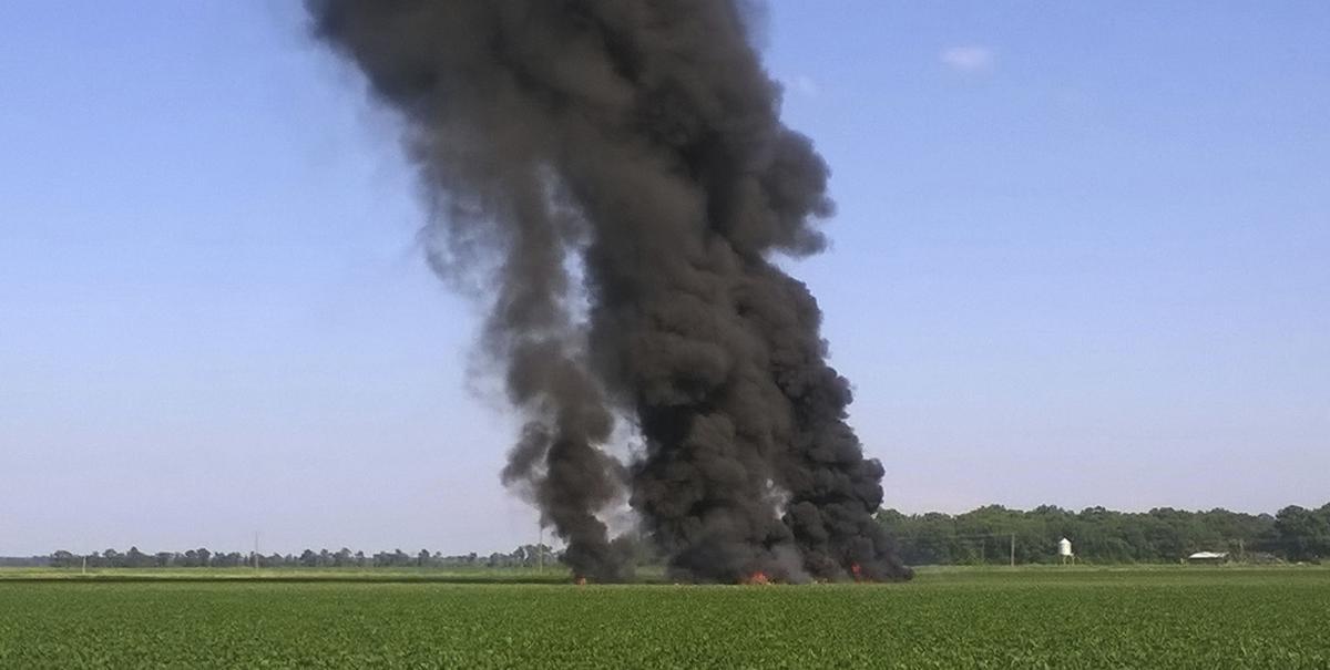 Military plane crash kills at least 16 in Mississippi