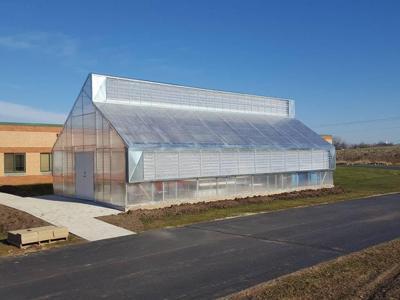 Pendleton High School to build new greenhouse