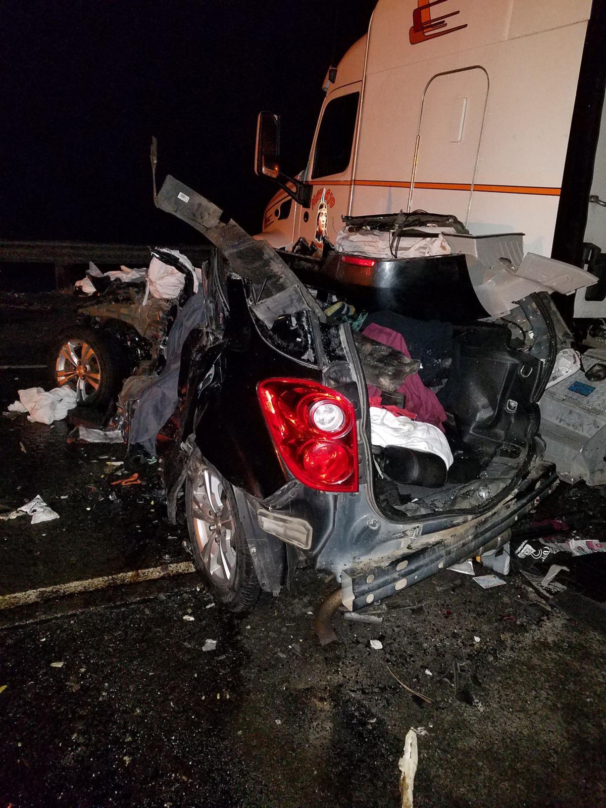 Serious injuries in 20-car pileup on I-84