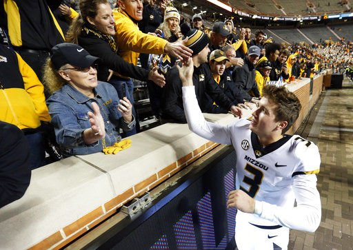 Missouri trounces Tennessee 50-17 for third straight win