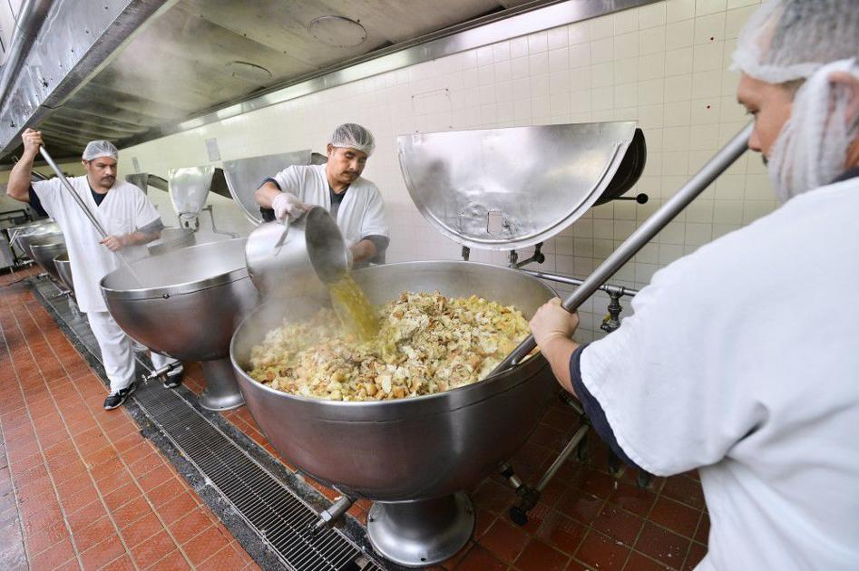 Oregonian food day thanksgiving recipes Inmates Enjoy 98 Cent Thanksgiving Dinner Local News Eastoregonian Com