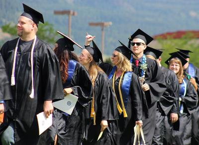 2016-EOU-Commencement-Gallery-2.jpg