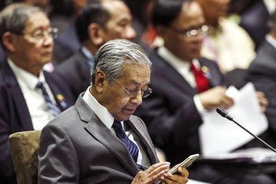 Australia, Malaysia trade words over Israel embassy shift