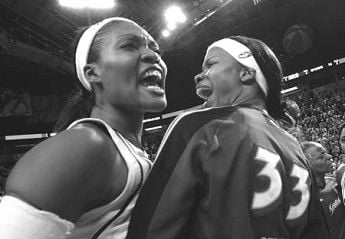 Storm even first-round series with L.A. Sparks