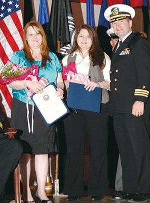 Retiring master chief honors his wife, family during Navy ceremony