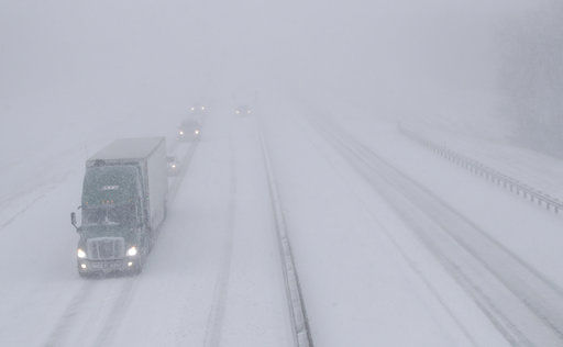 The Latest: Blizzard warning remains in effect in Midwest