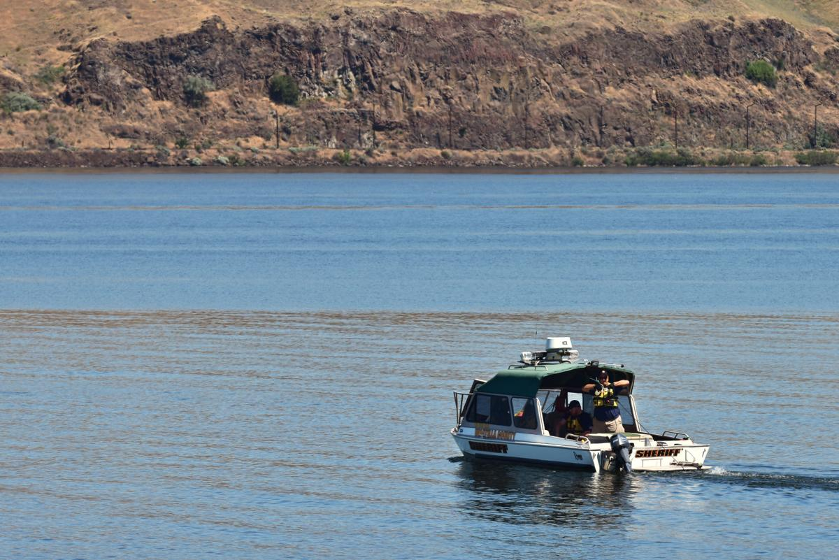 Searchers recover pair missing in Columbia River   Local