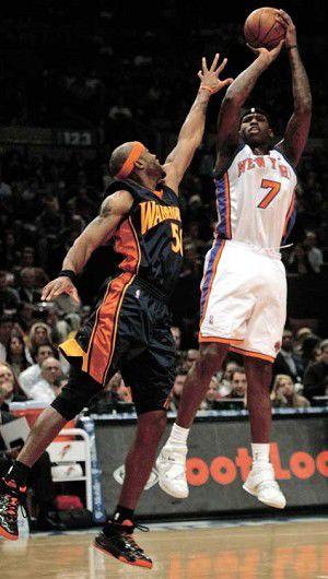 Knicks rewrite record books in win