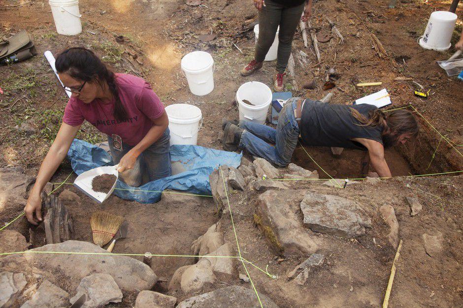Archaeologists.jpg