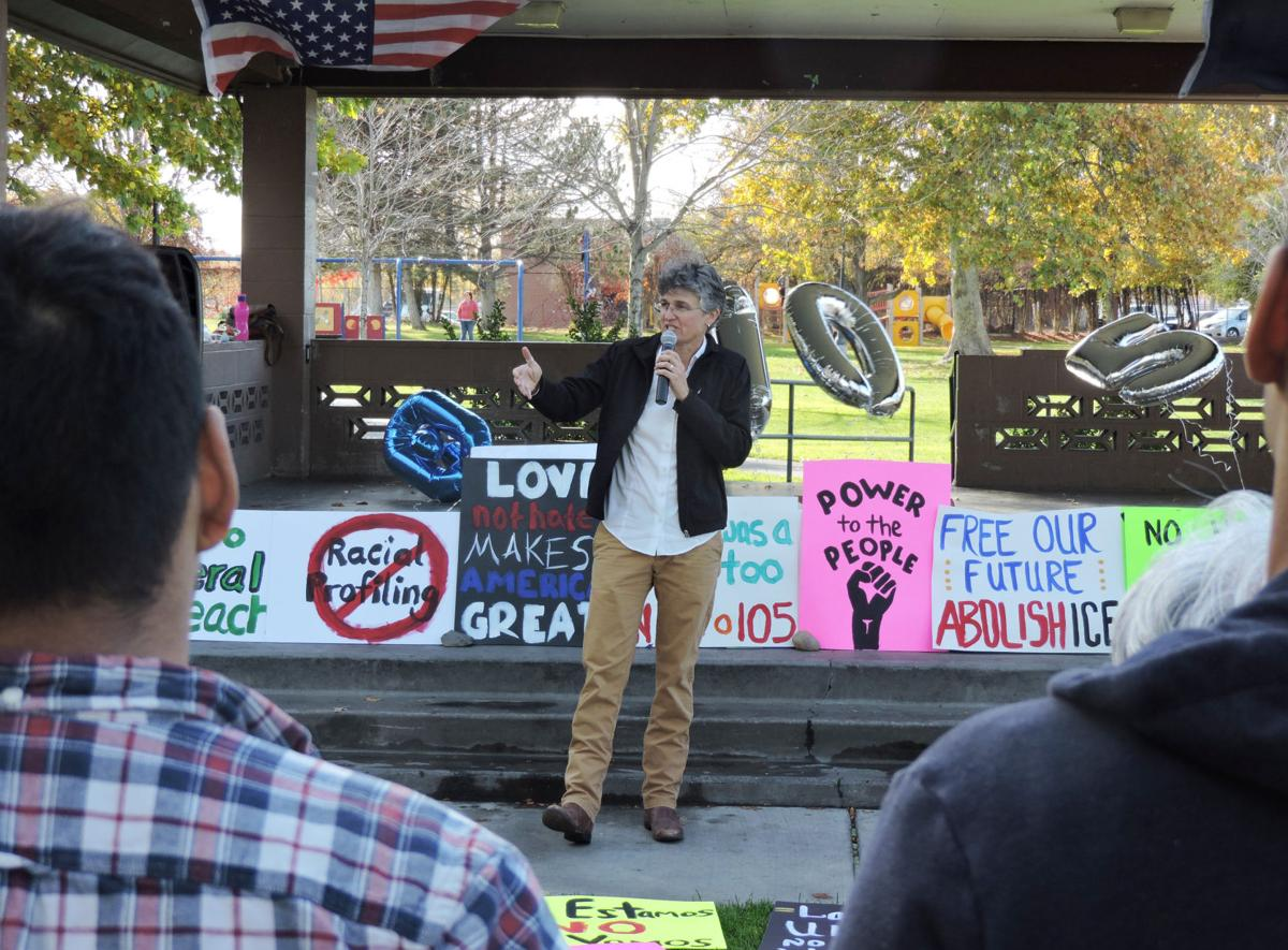 Anti-105 rally draws dozens in Hermiston