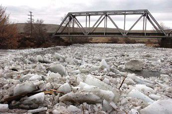 Ice clogs Umatilla