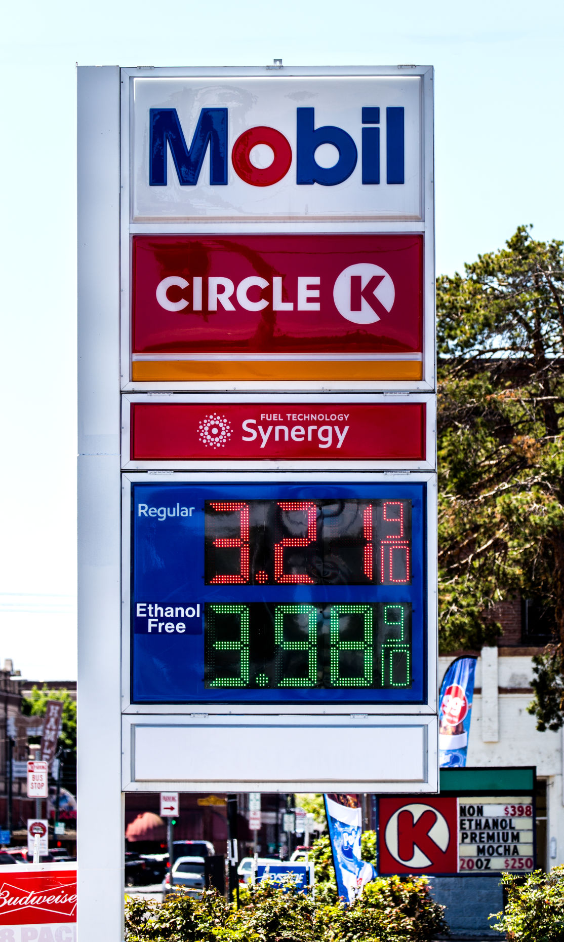 Circle K Gas Prices >> Gas Prices Edge Lower To Kick Off Summer Driving Season