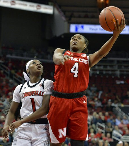 Durr scores and dishes as No. 5 Louisville beats Nebraska