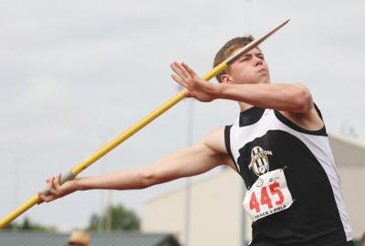 Prep track: Full pack of Dawgs competing at state