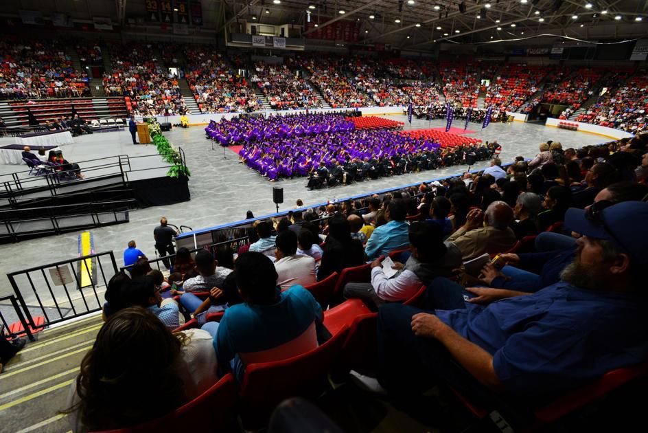 Pendleton, Hermiston lag behind graduation milestone