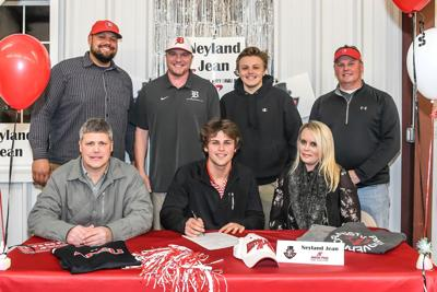 Lincoln County native signs with Austin Peay