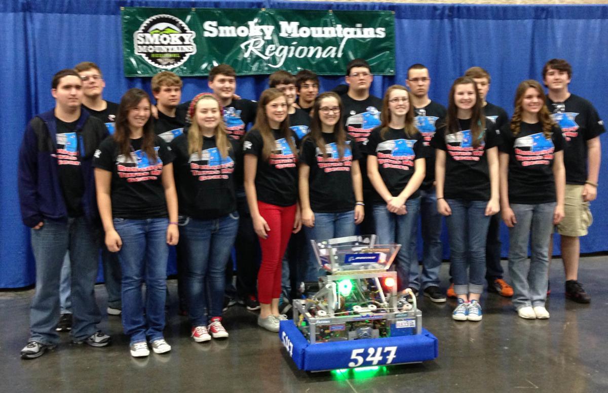 LCHS Robotics Team gets to Smoky quarterfinals