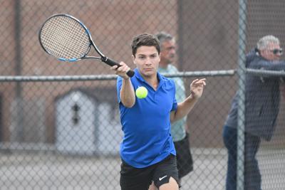 LCHS Tennis sweep district team tournament