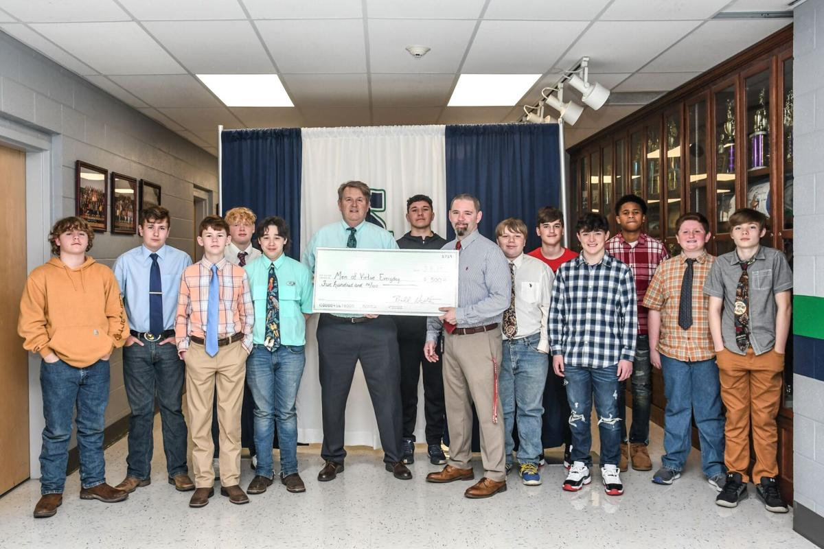 Spotlight LC Awards to MOVE Clubs at South Lincoln and Flintville