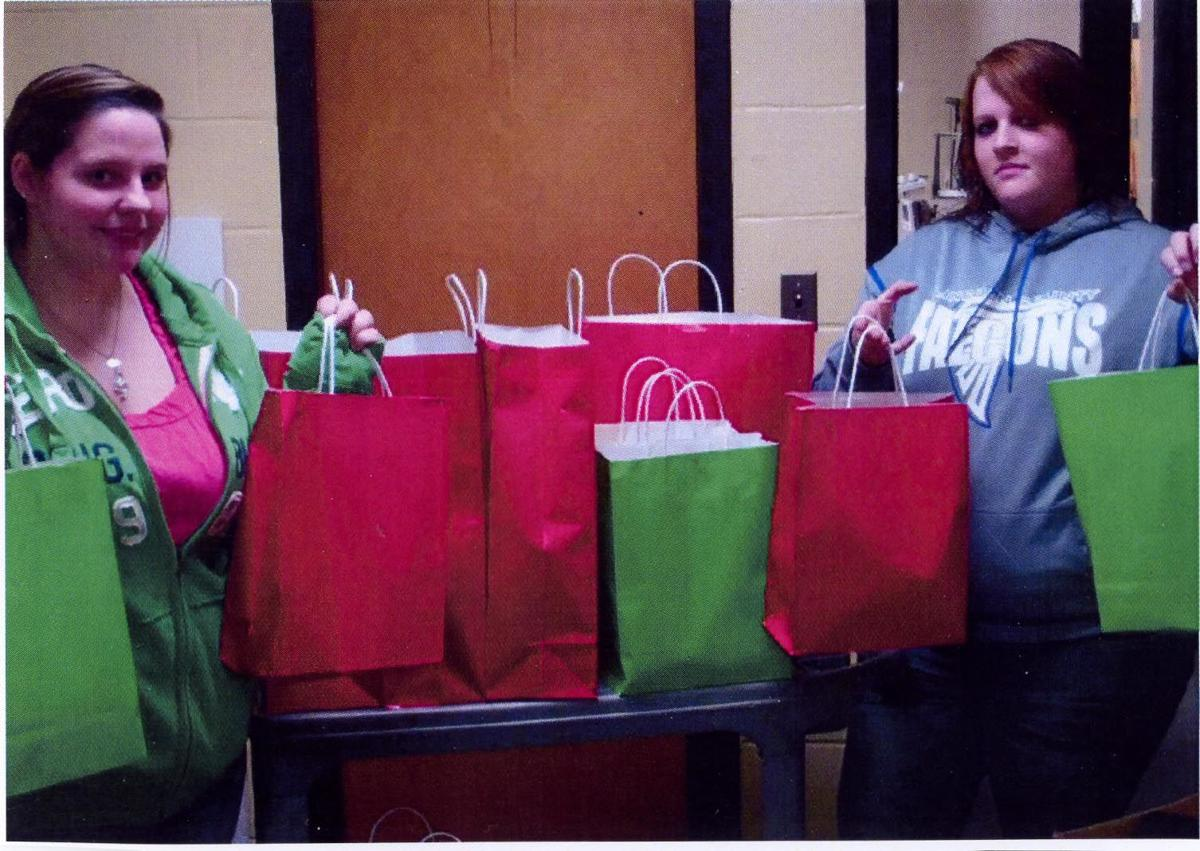 FCCLA'ers help fellow students