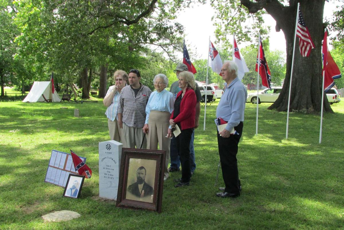 Lincoln native remembered in Memorial Day ceremony