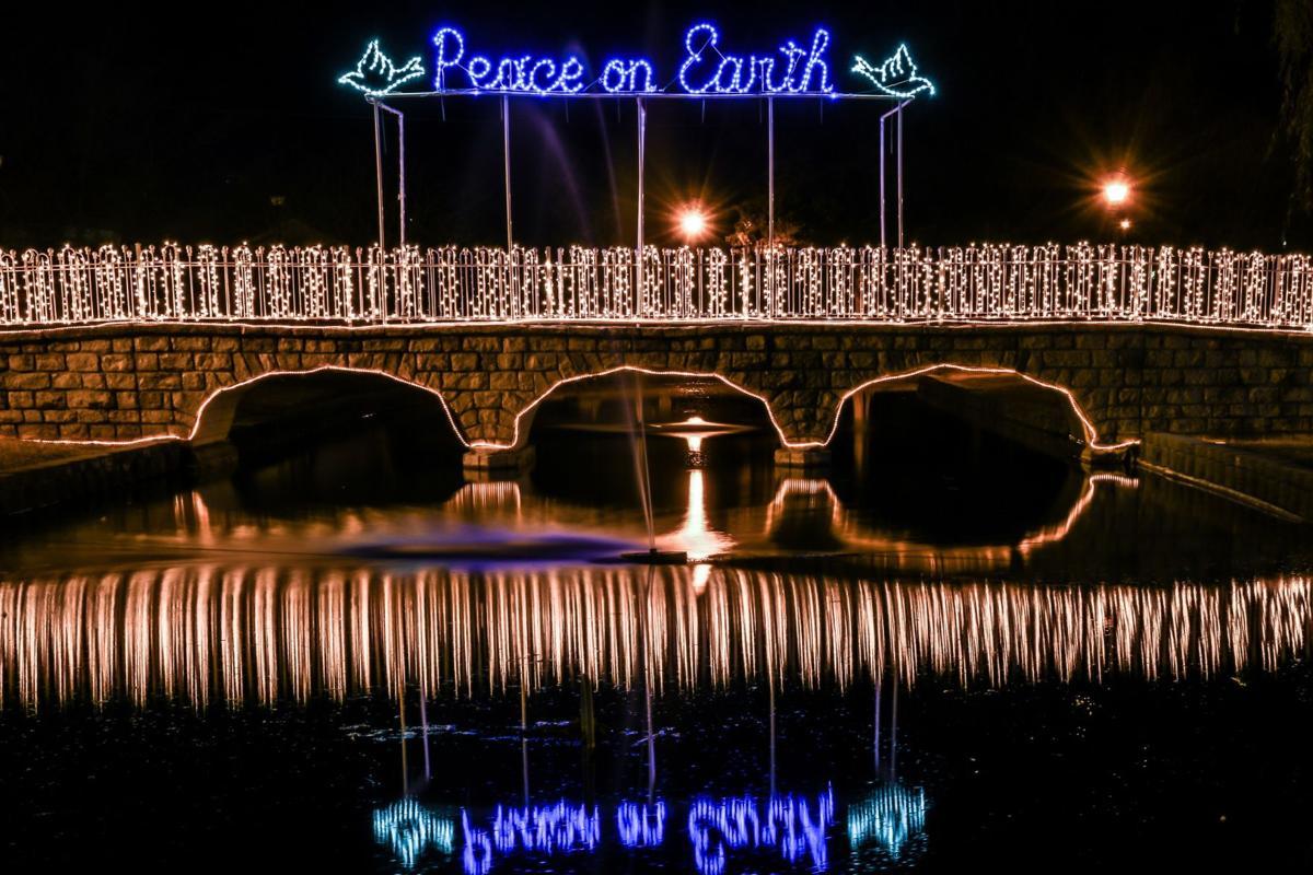 Z -- Stone Bridge Park at Christmas (5).jpg