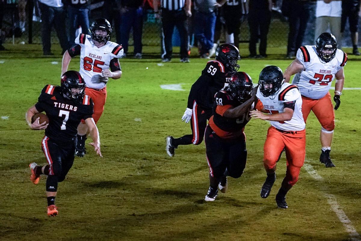 Tigers get region win over Raiders