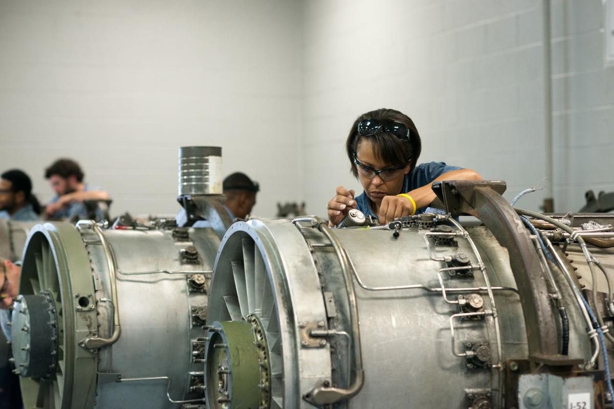 TCAT-Memphis-Aircraft-Mechanics-Students.jpg