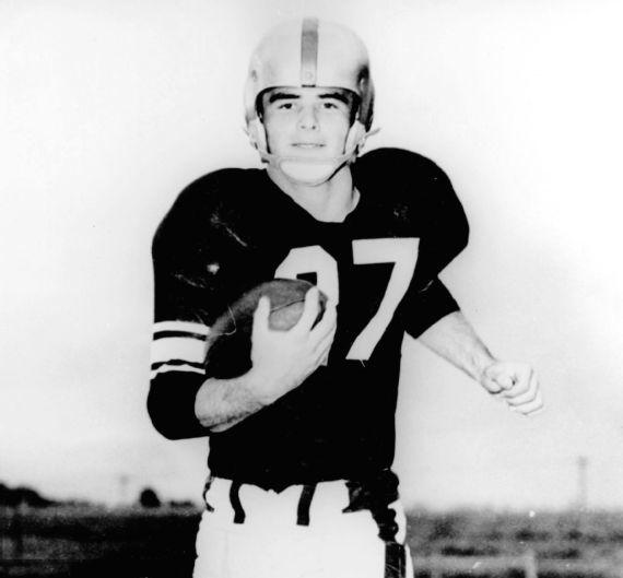 Burt Reynolds football. getty images.jpeg