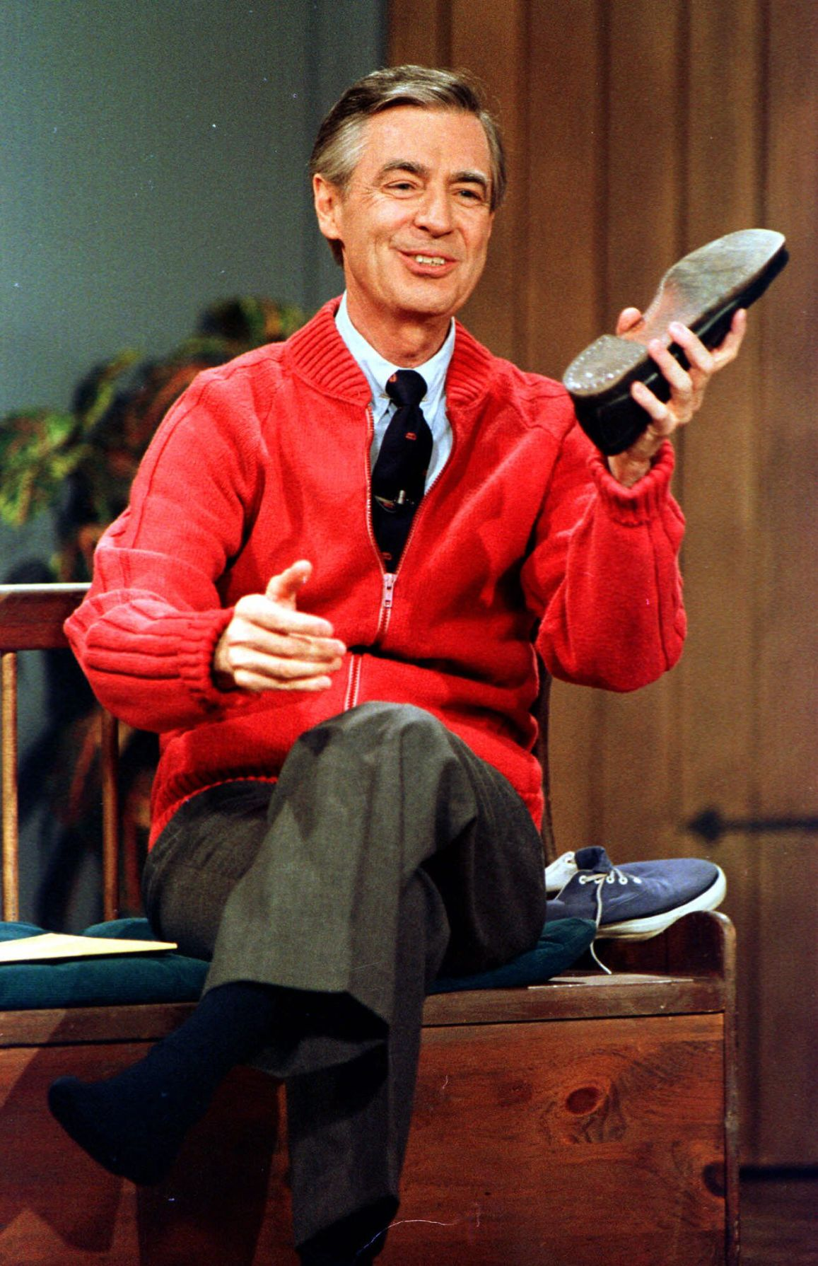 Recalling Childhood Shows As Mister Rogers Turns 50 Local Features Elpasoinc Com