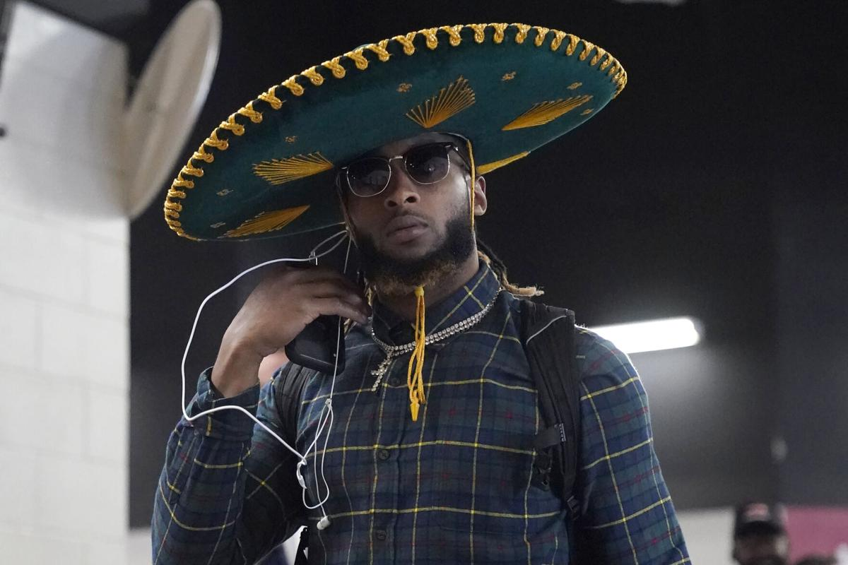 Aaron Jones mariachi hat