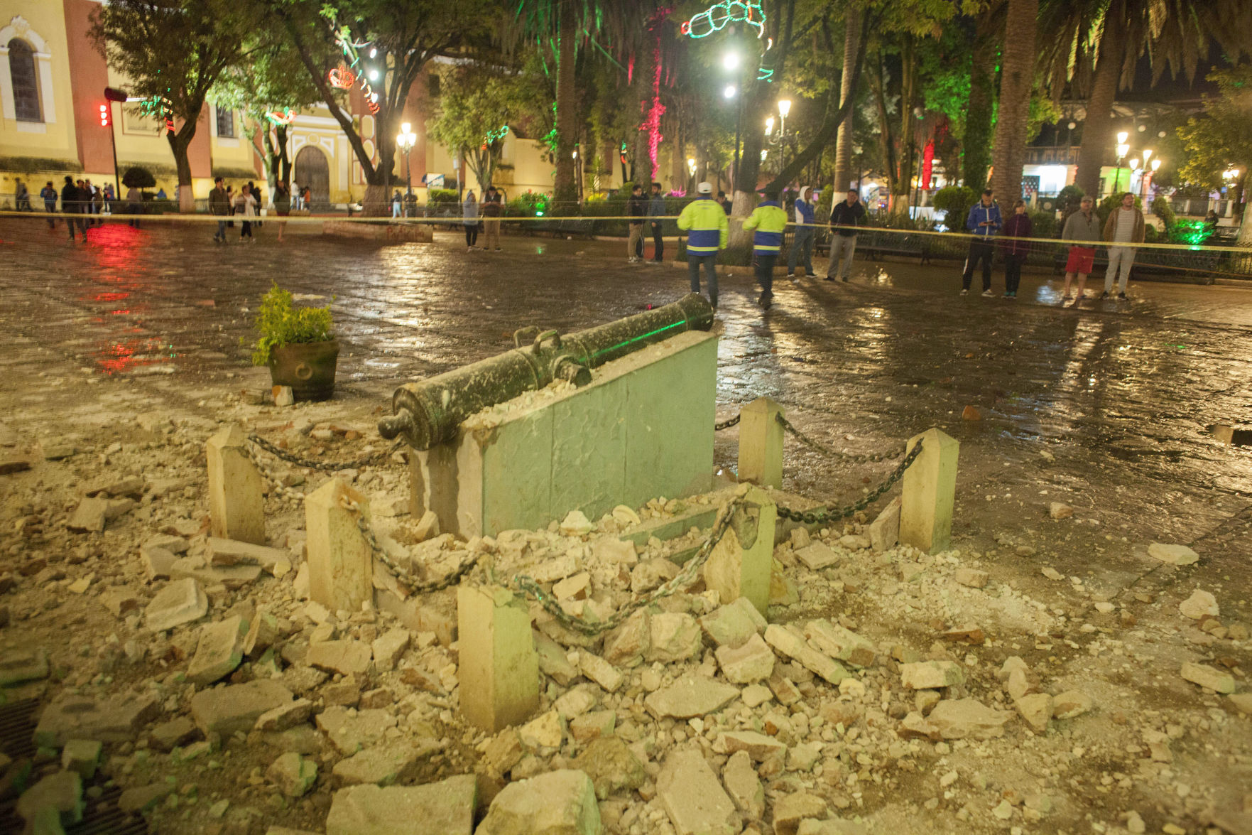 Mexico natural disaster: Rescue efforts continue as death toll rises