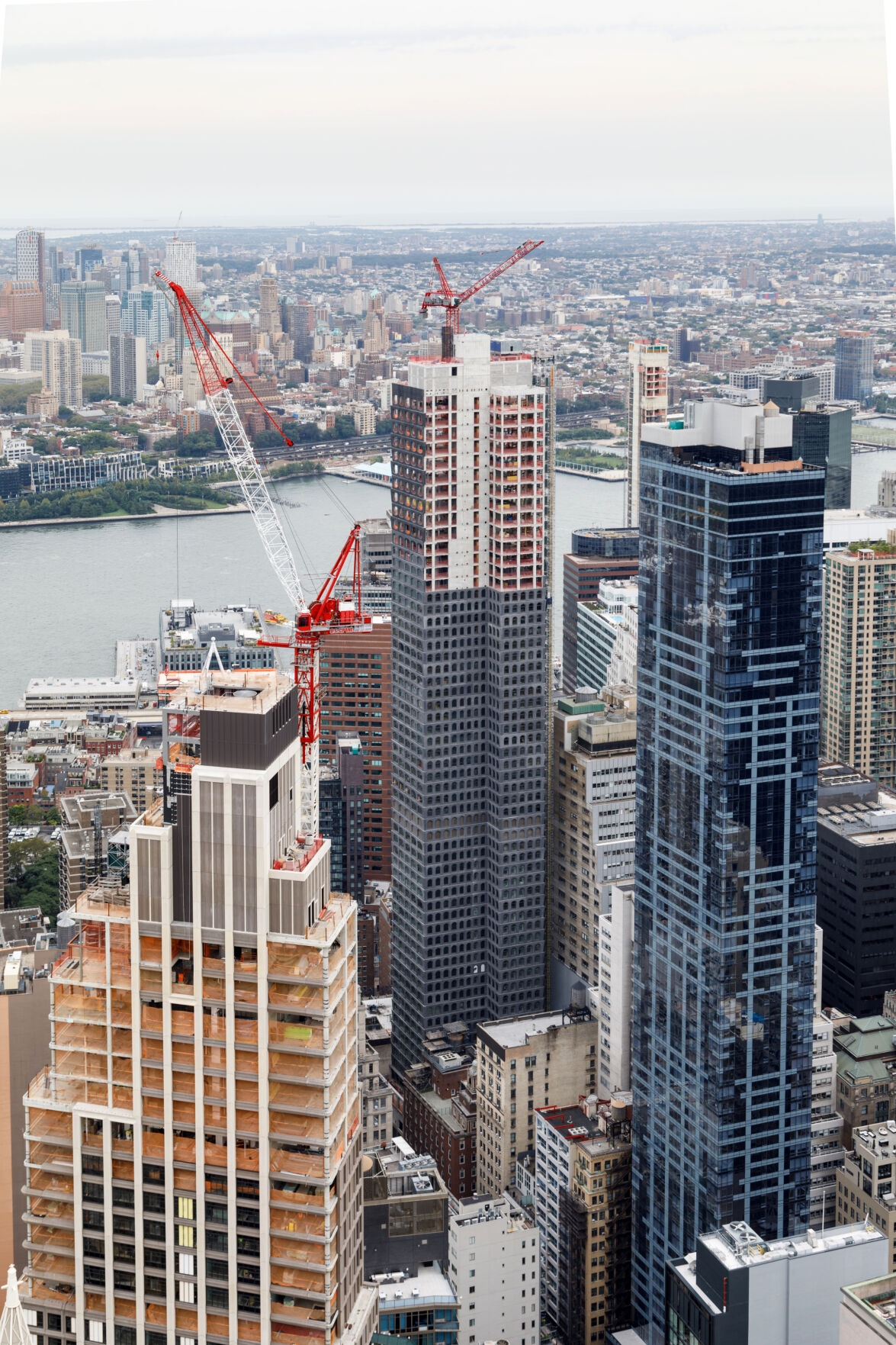 A residential tower under construction in lower Manhattan, 130 William, is open for virtual tours. (Stefano Ukmar/The New York Times)
