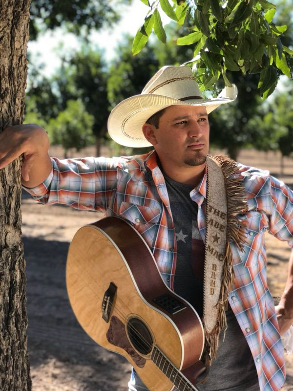 Going against the grain, Abe Mac delivers country hits