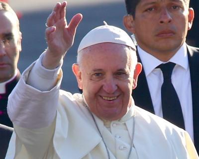 Papa Francisco declina ordenar