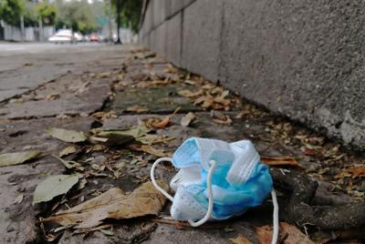 Salvan cubrebocas pero contaminarán por 450 años (foto)