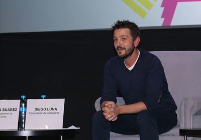 Brilla el artista mexicano, Diego Luna, en Daytime Emmy