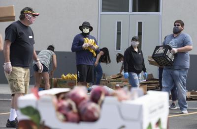 210510-es-news-foodboxes