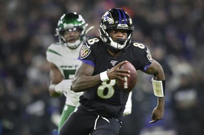 El quarterback Lamar Jackson
