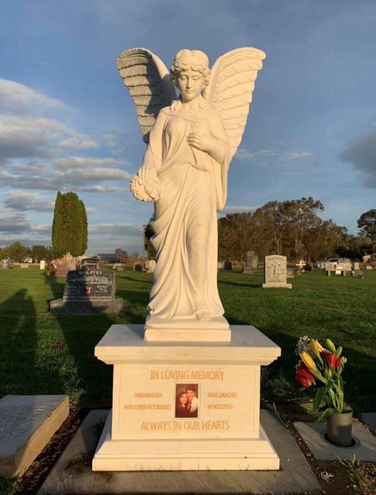 211014-es-news-angelstatue