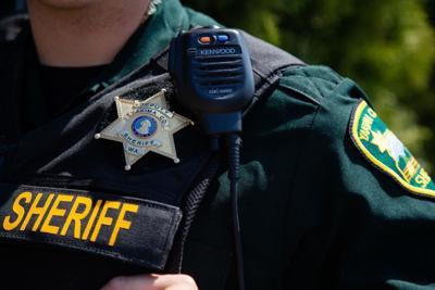 Agente de la oficina del alguacil del condado (copy)