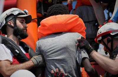 ONU pide a países europeos permitir desembarco de migrantes