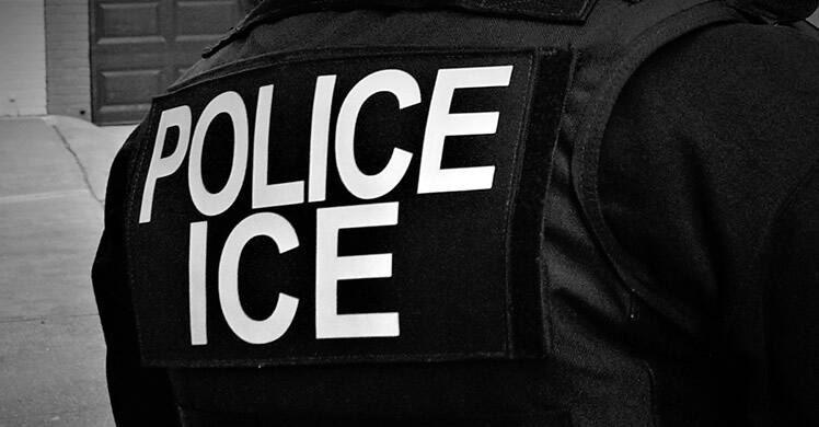 211012-es-news-immigrationraids