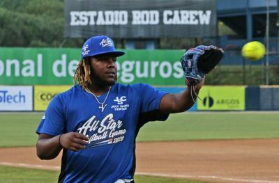 Guerrero trabaja duro en su físico y bateo para 2020